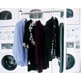 serviço de lavanderia de roupa de cama Chora Menino